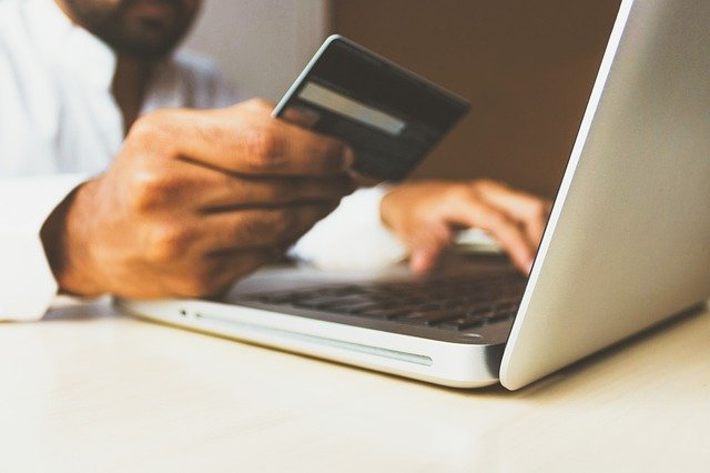 Put your money where your name is – what it really means to be a second cardholder of a credit card
